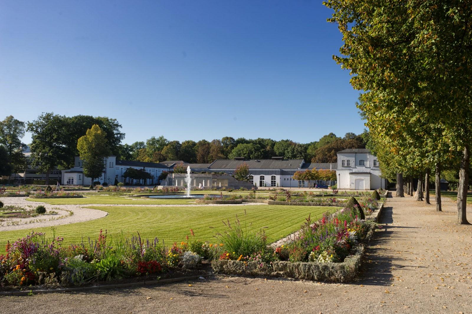 Schlosspark Schloss Neuhaus