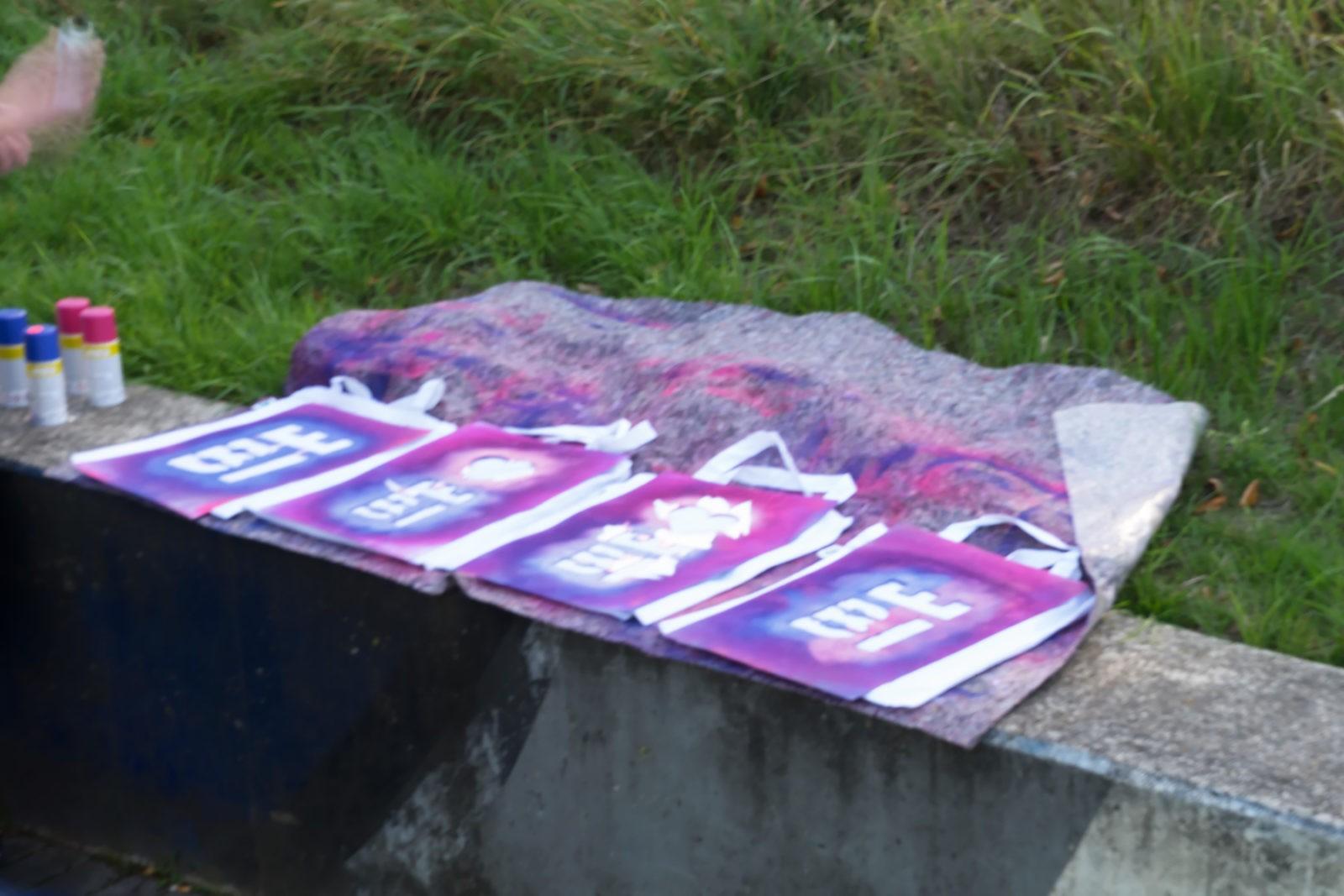 Graffiti auf Stofftaschen
